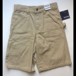 NWT Boys size 7 adjustable waist khaki shorts.